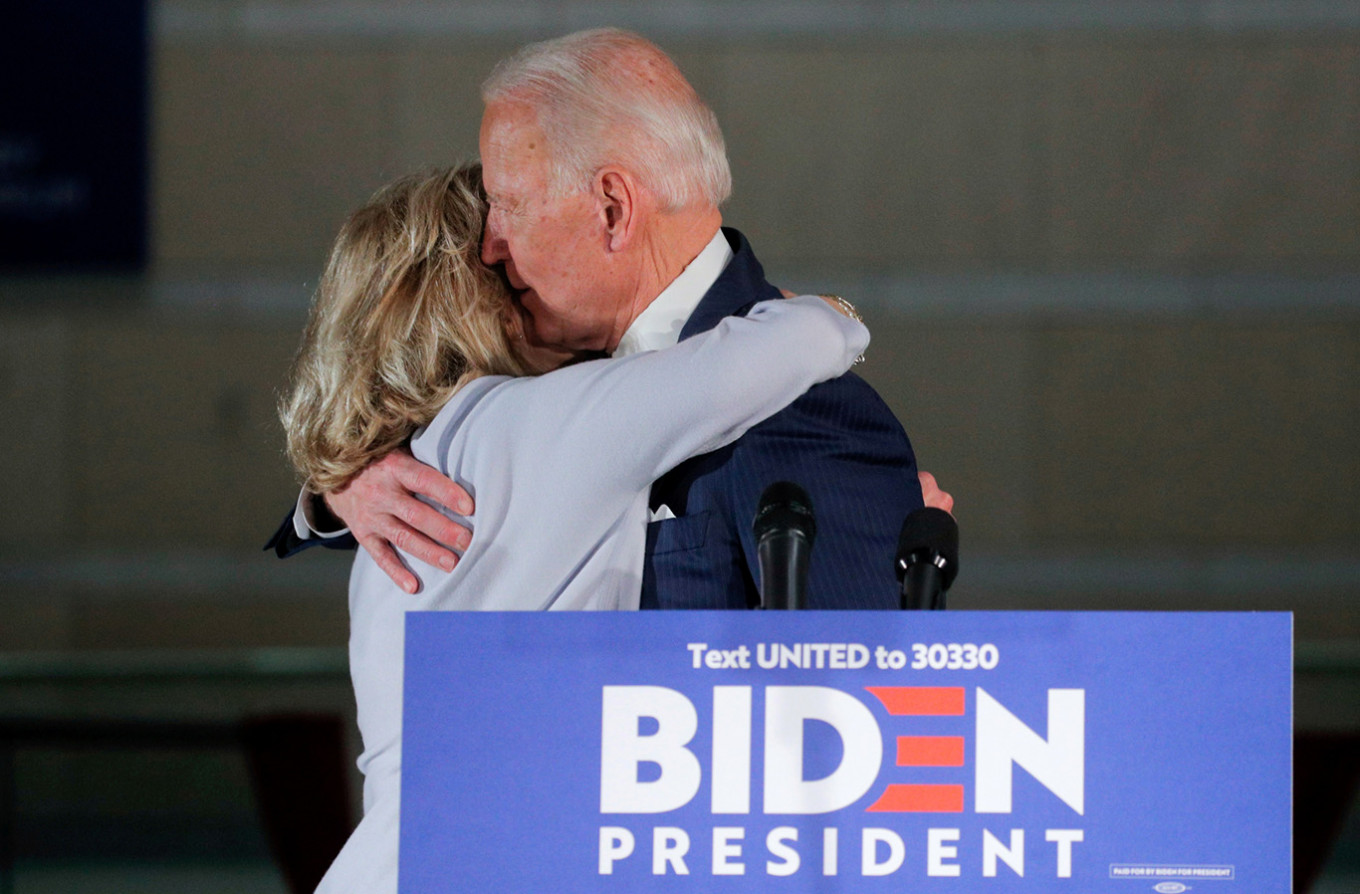 Trump and Republicans narrowly top Biden in April fundraising