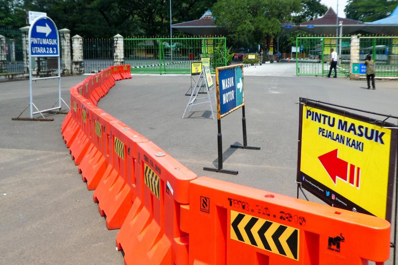 Regions close schools, cancel public events because of COVID-19