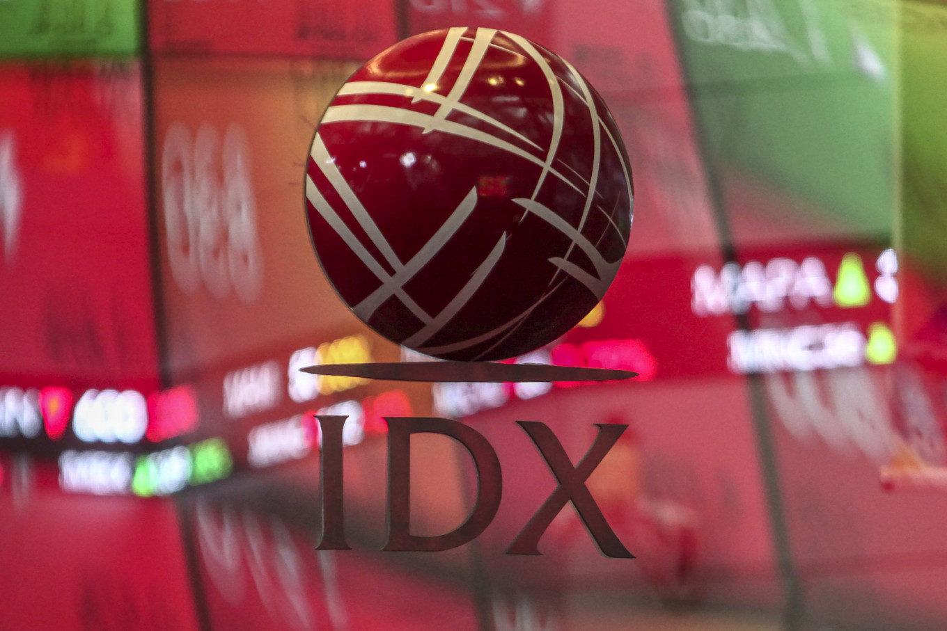 Indonesian stocks fall to 4-year low following Wall Street crash