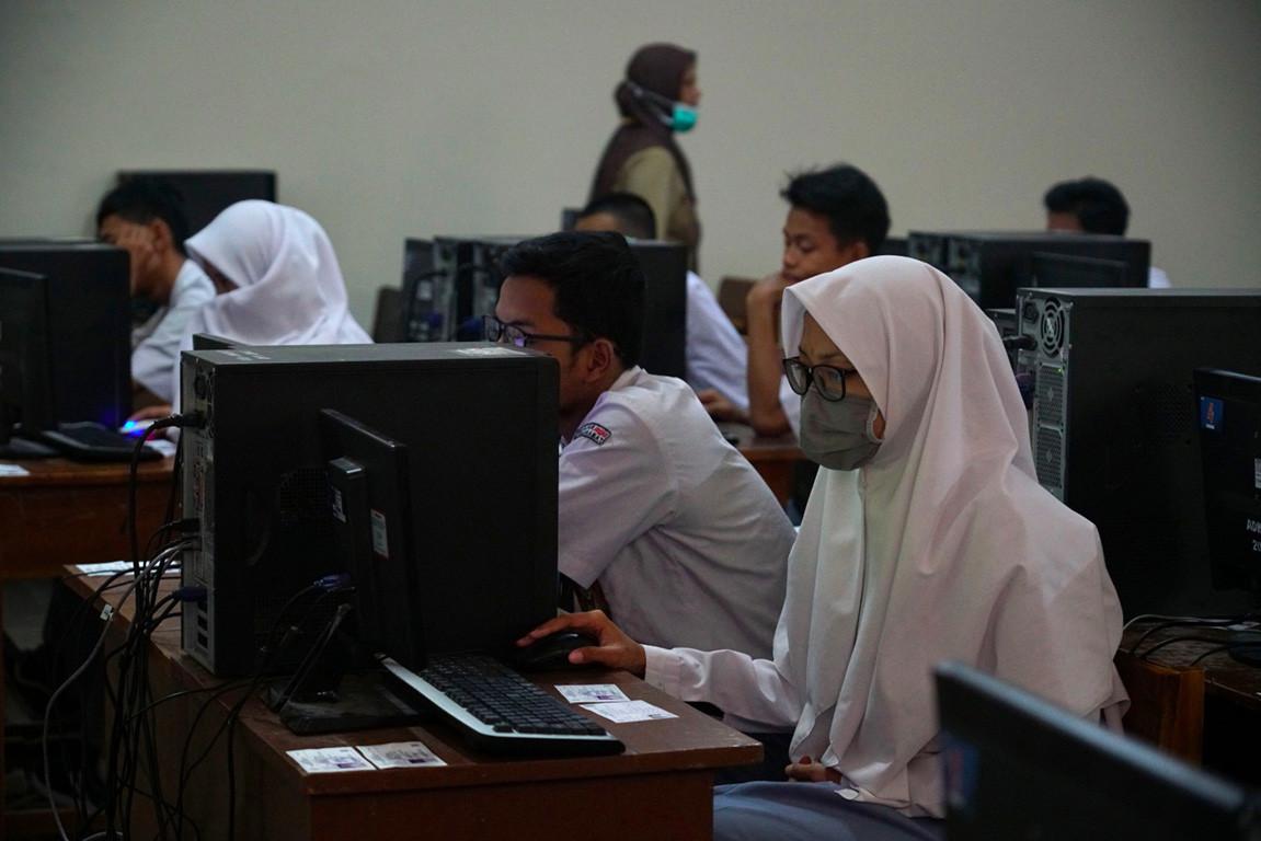 COVID-19: Regions postpone national exam amid 'social distancing' call