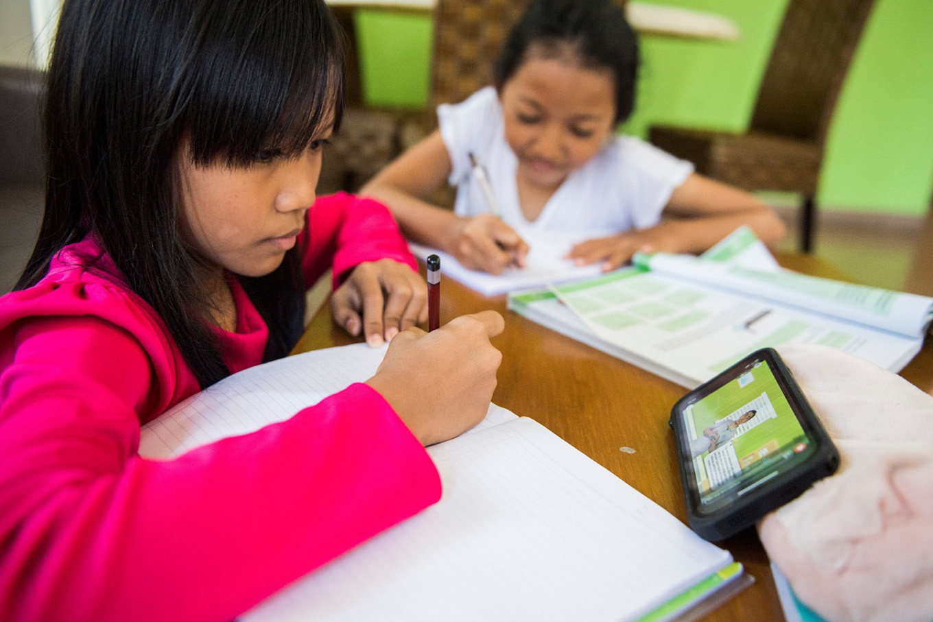 Remote learning hampered by lack of student-teacher interaction, KPAI survey finds
