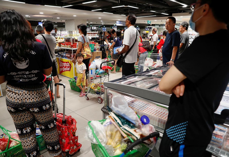 World food prices fall sharply in March because of coronavirus, oil slump: UN