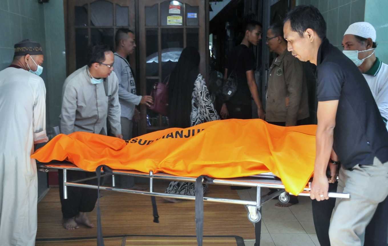 Indonesia Records Spike In Covid 19 Deaths After Days Of Central Govt Data Confusion National The Jakarta Post