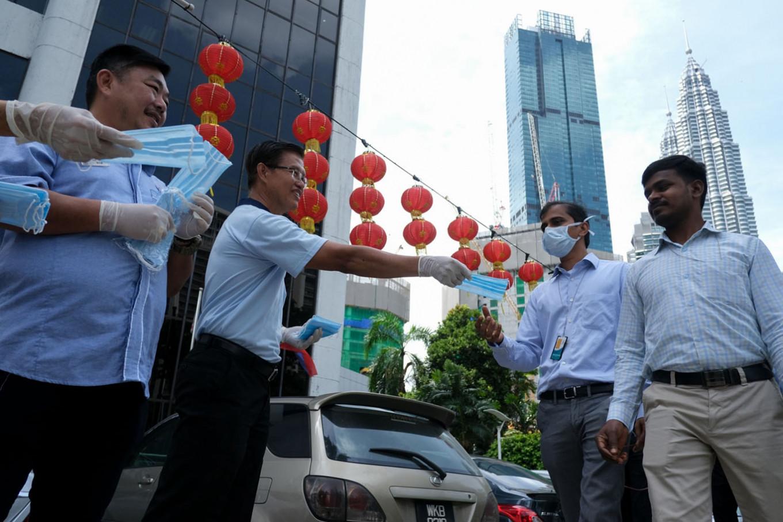 Malaysia reports 130 new coronavirus cases; 1,030 in total