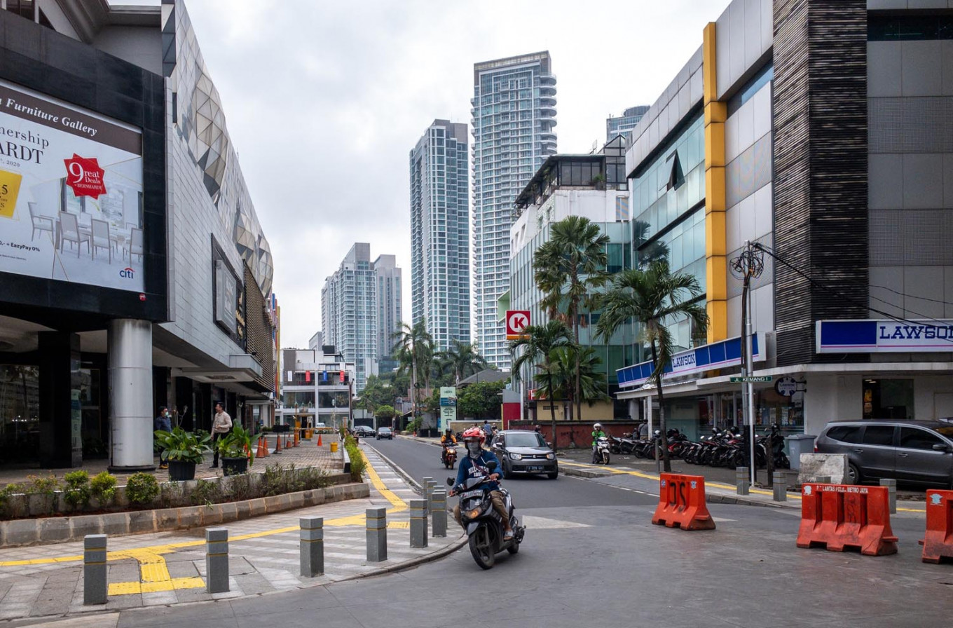Covid 19 Vacant Roads Little Activity Mark First Day Of Psbb Implementation In Jakarta City The Jakarta Post