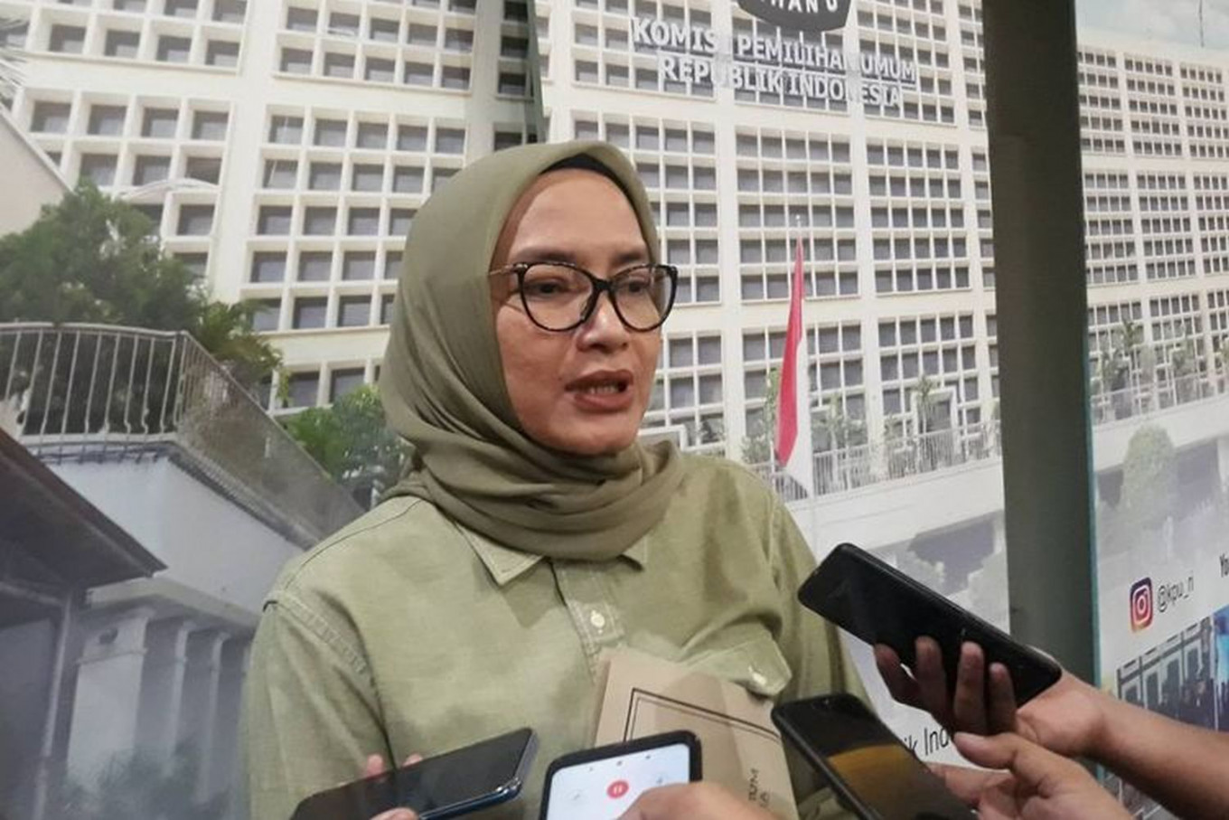 KPU commissioner Evi Novida dismissed for manipulating vote results in West Kalimantan