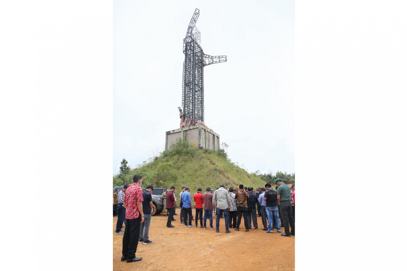 Stalled Jesus statue project dismantled in North Sumatra because of construction flaws