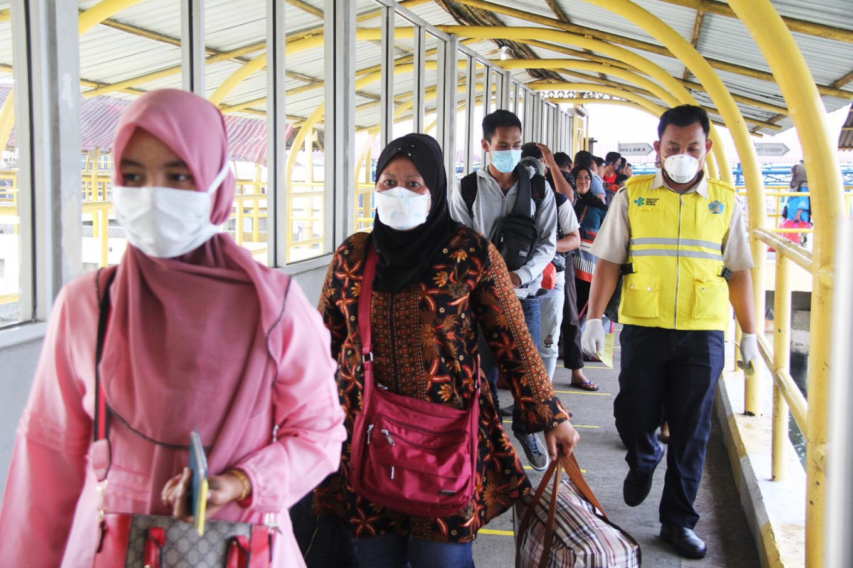 COVID-19: KM Kelud put in quarantine in Medan after crewmen test positive