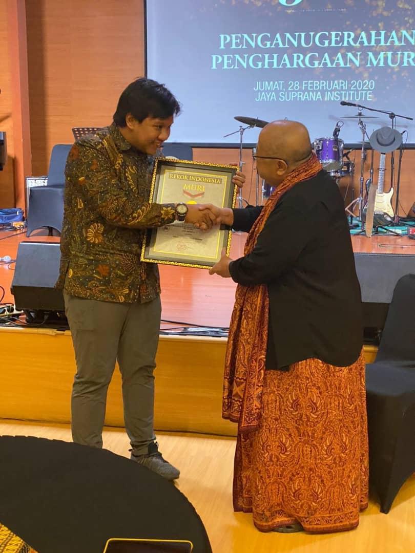 Overseas Indonesian students break record by hosting 100-hour webinar
