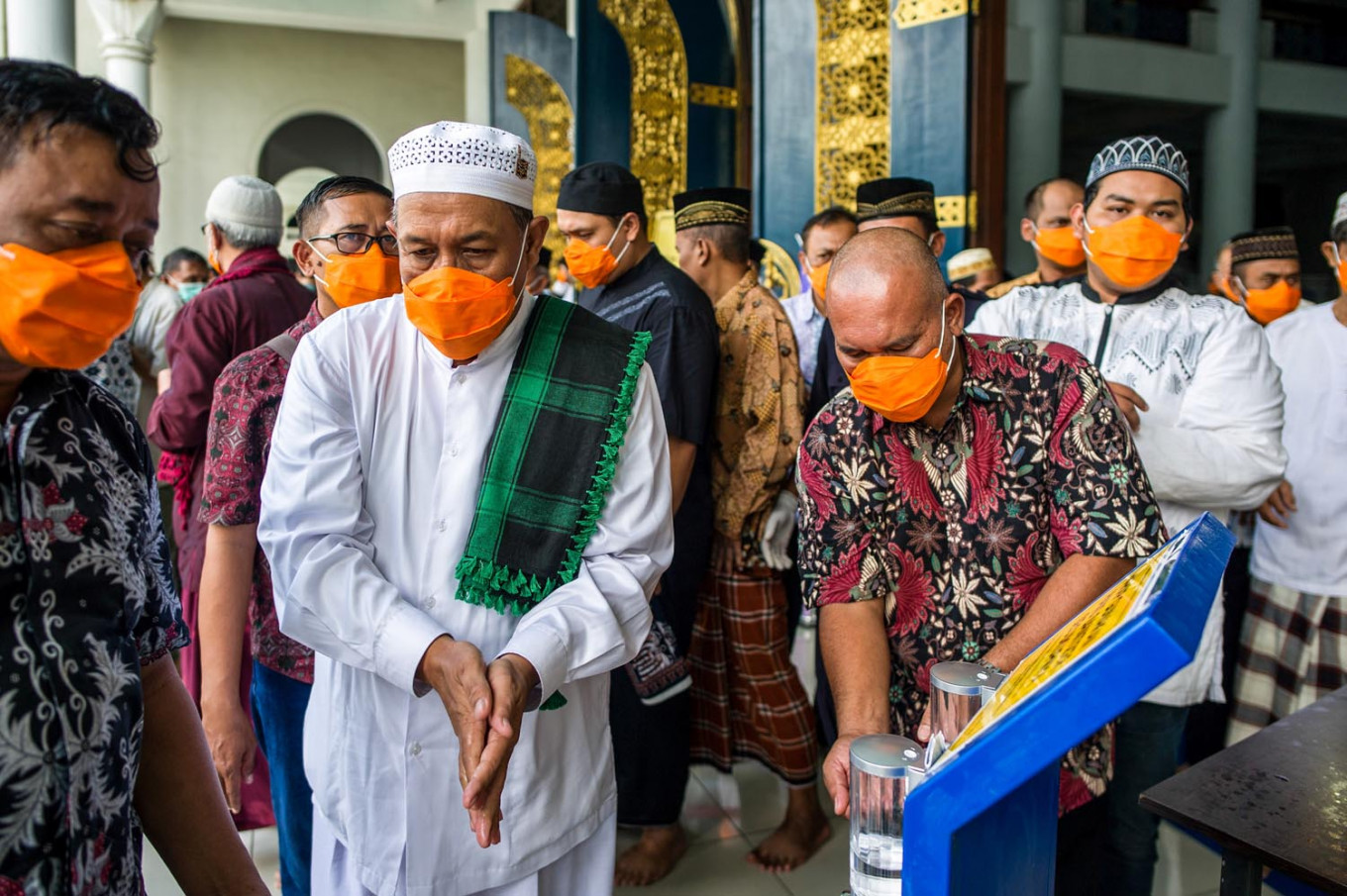 COVID-19: Muhammadiyah advises Muslims to not perform mass 'tarawih', Idul Fitri prayers