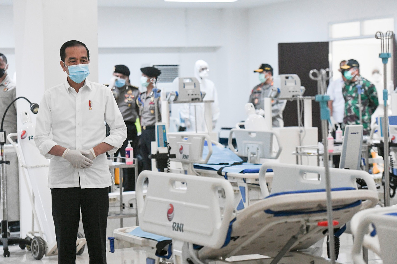 Barito Pacific donates Rp 30 billion worth of medical devices to hospitals