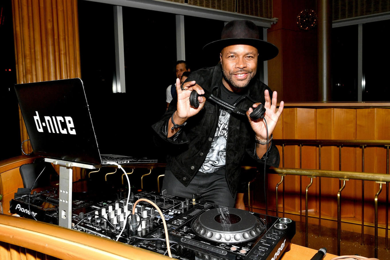 Don't stop the music: DJ hosts 10-hour Instagram dance party