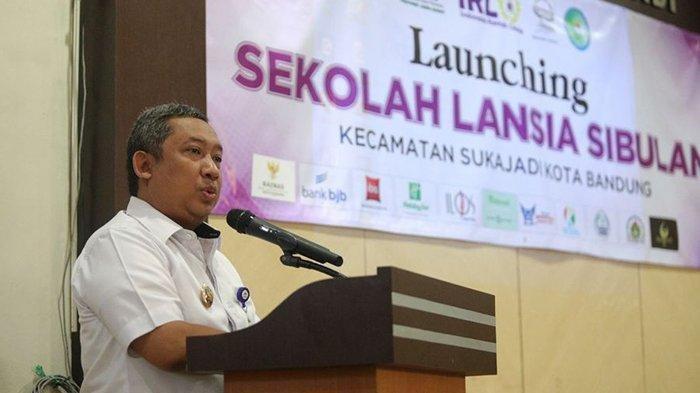 Bandung deputy mayor Yana Mulyana tests positive for COVID-19