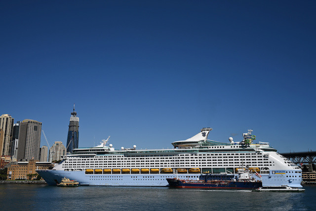 Cruise ships told to leave Australian waters to avoid coronavirus
