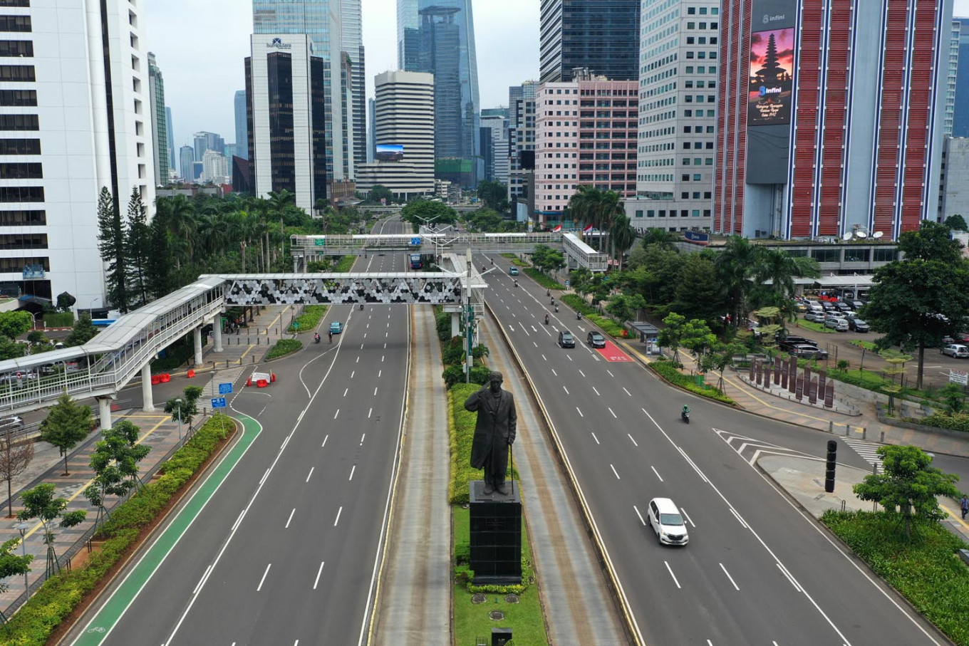 Jakarta air quality improves as people commute less, rainfall intensifies