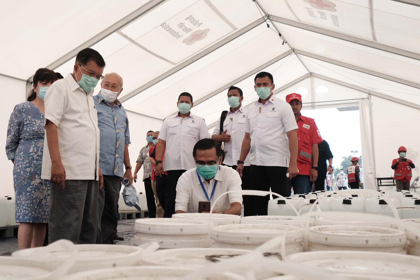 Kadin donates Rp 10b to Indonesian Red Cross for battle against COVID - 19