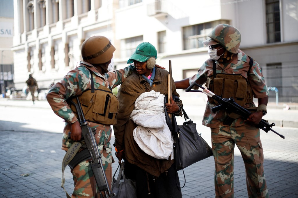 South Africa to keep 20,000 soldiers on COVID-19 duty until September