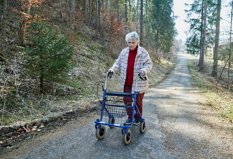 'I was not afraid': Swiss woman, 95, back home after surviving coronavirus