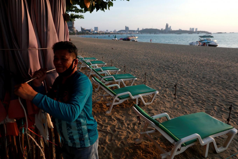 Thailand's tourist haven Pattaya devastated as coronavirus hits travel
