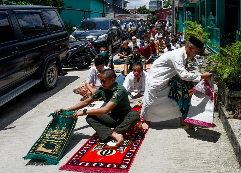 District head in S. Sulawesi reported for blasphemy after dispersing Friday prayer