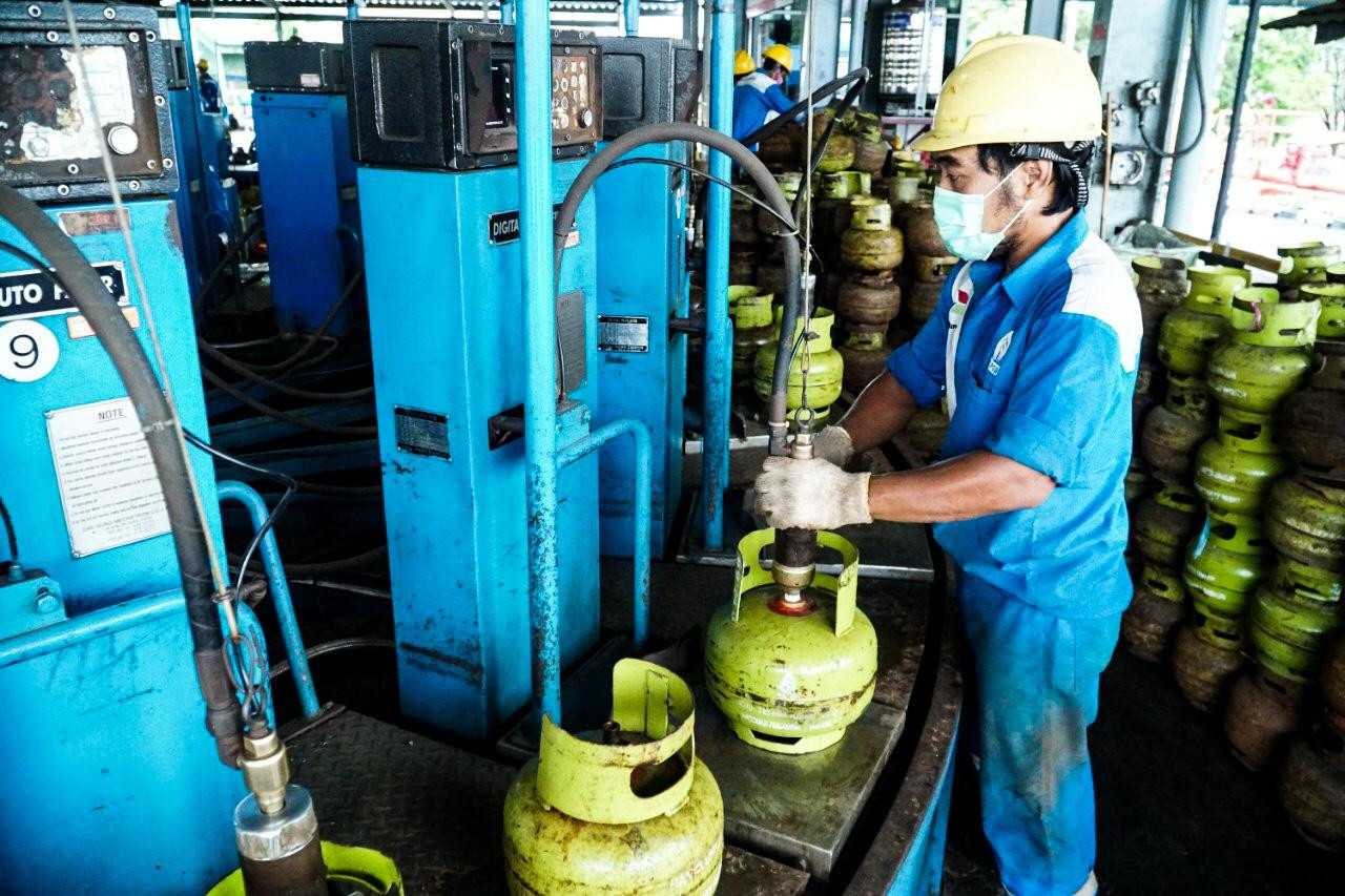 Pertamina secures fuel and household gas supply as more people stay home