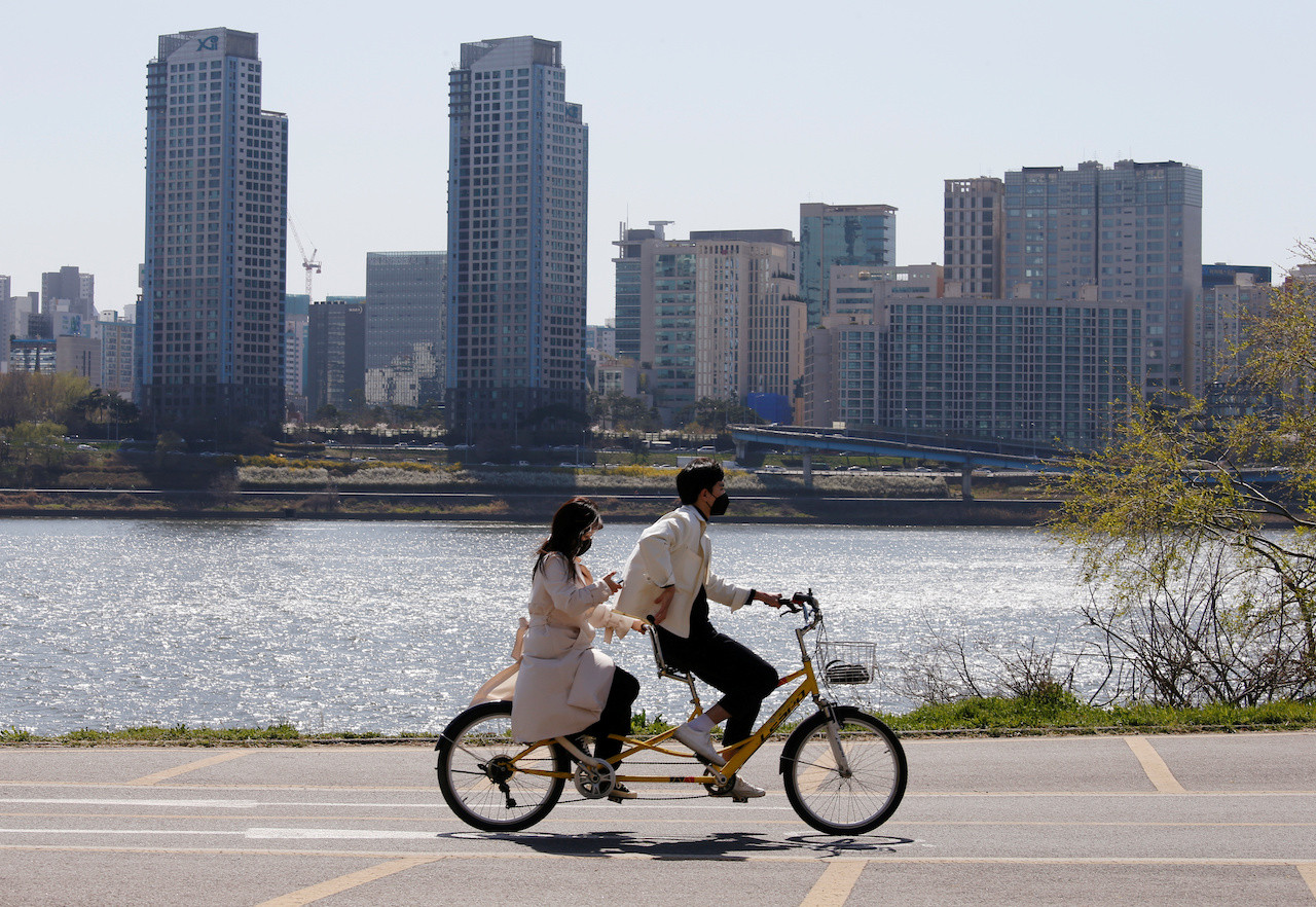 South Korea extends intensive social distancing to reach 50 daily coronavirus cases