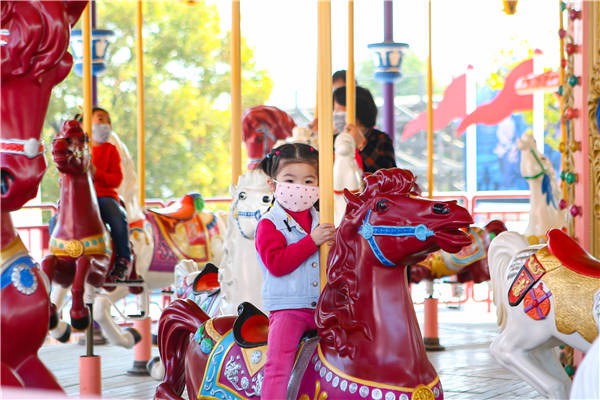 China's theme parks ride again