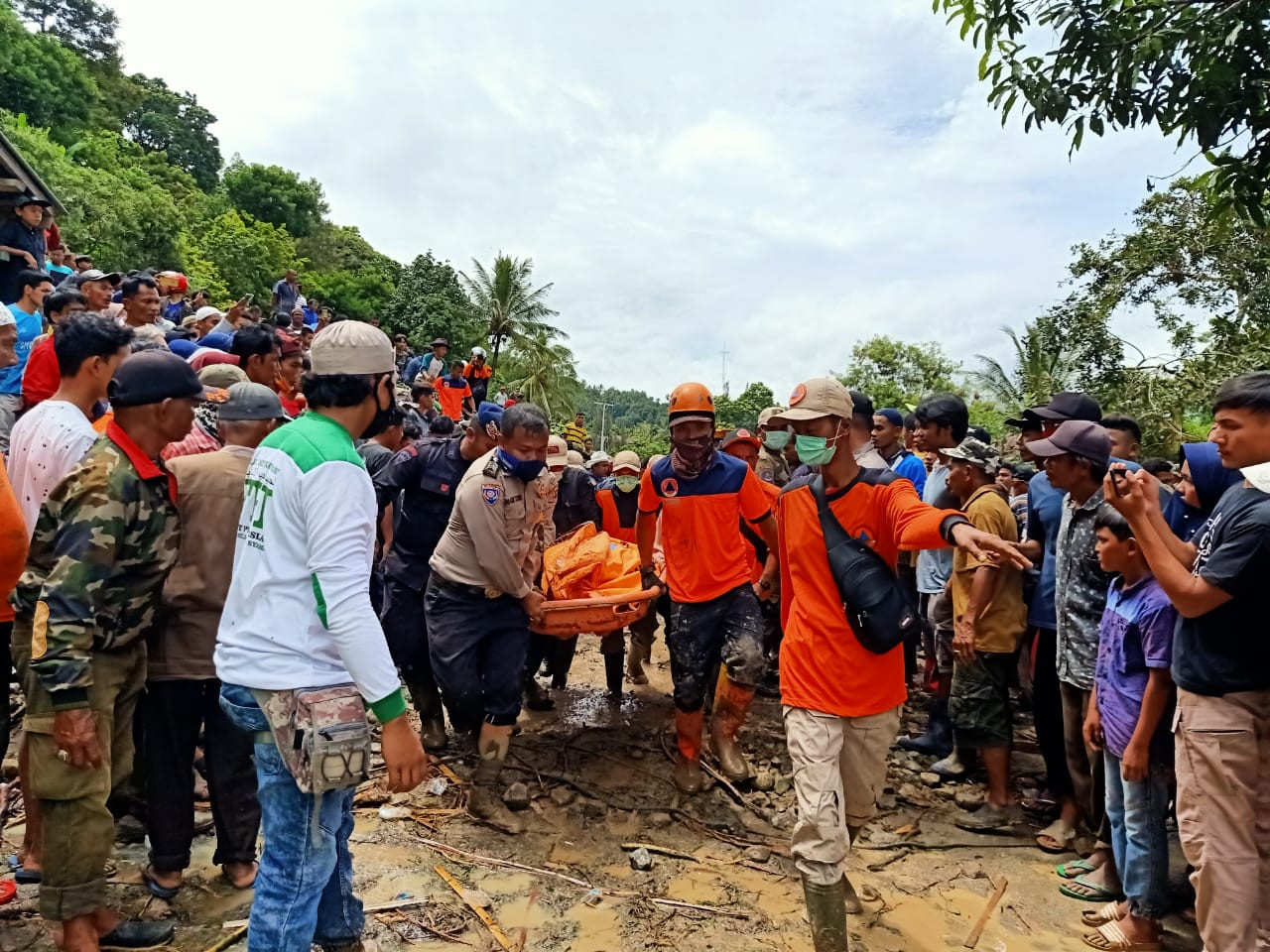 Landslide kills two in West Sumatra