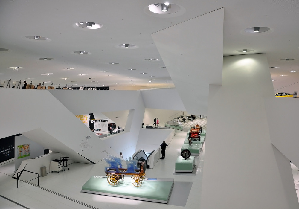 Visit the Porsche Museum without leaving home
