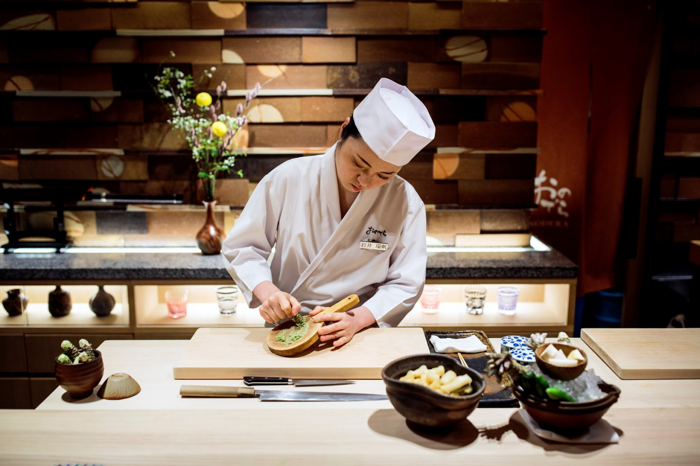 Women fight for a place at the table as sushi chefs in Japan ...