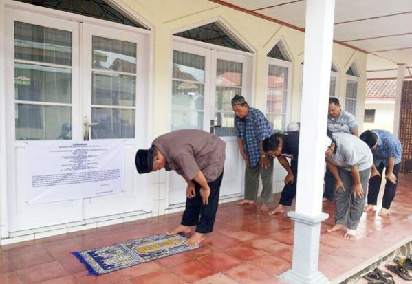 Tasikmalaya authorities ban renovation of Ahmadiyah mosque