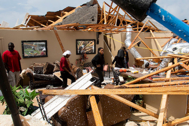 'Everything's gone': Tornadoes rip US South, kill at least 26