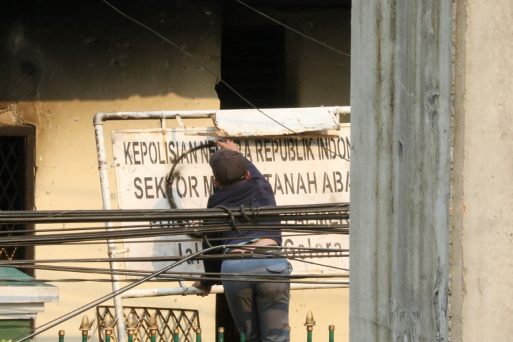 Books seized, five arrestedas police claimanarcho-syndicalists plan mass looting in Java