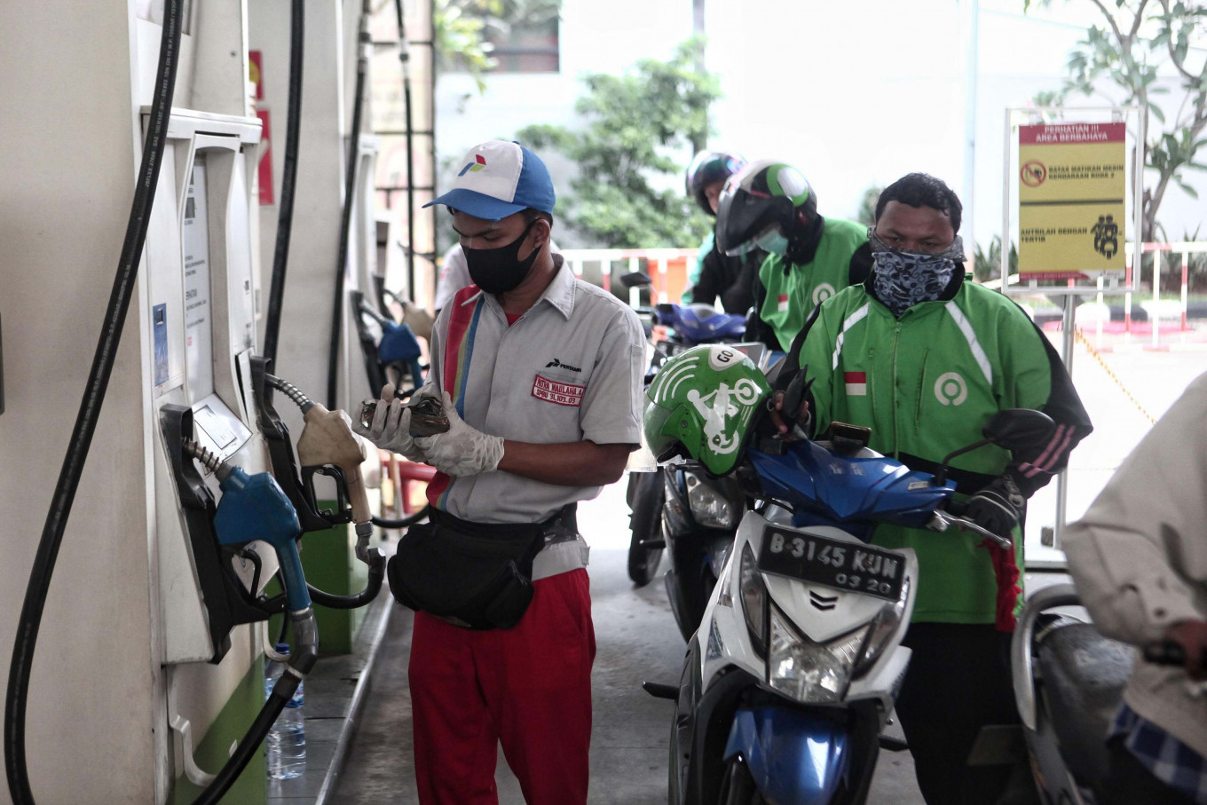 Pertamina offers 50 percent fuel cashback for app-based 'ojek' drivers