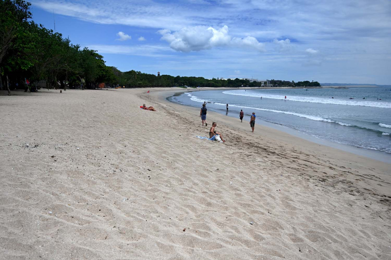 Bali sees almost 100 percent drop in foreign tourists