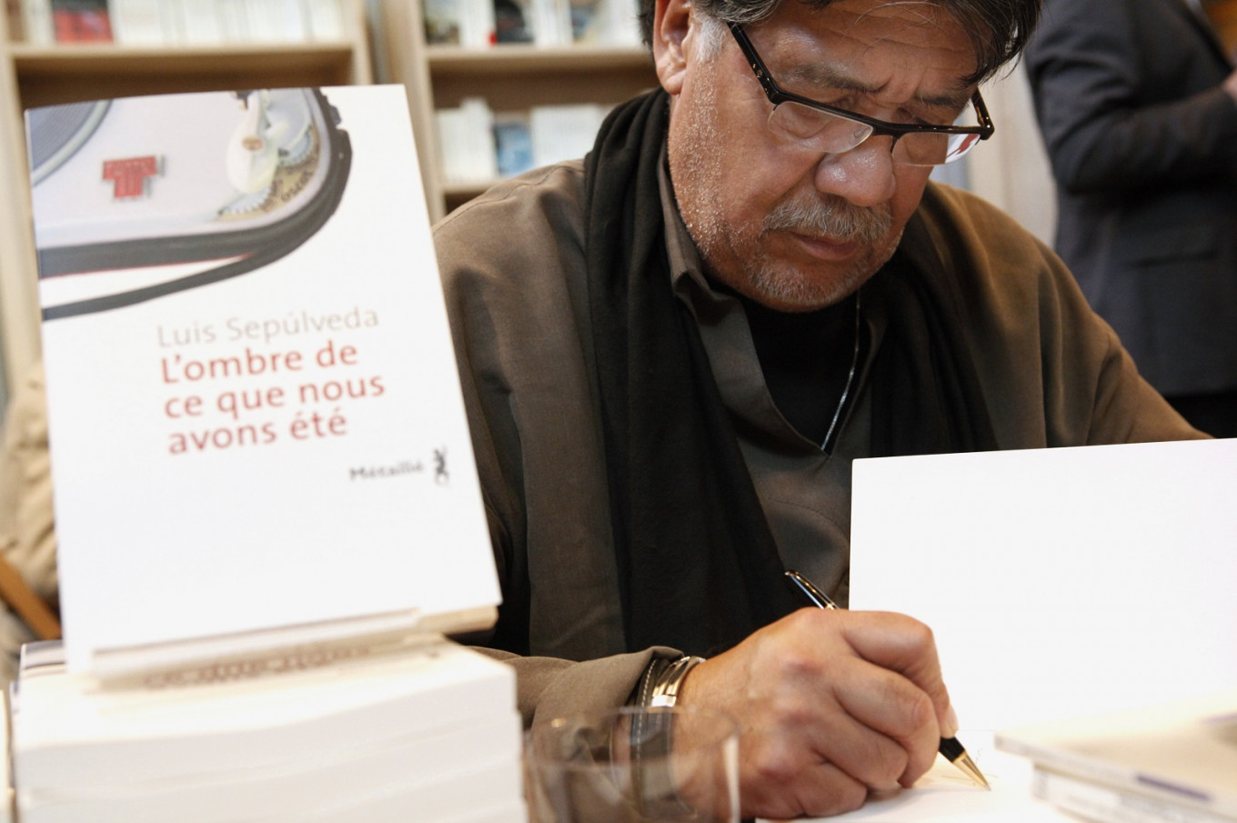 Chilean author Luis Sepulveda dies of virus in Spain