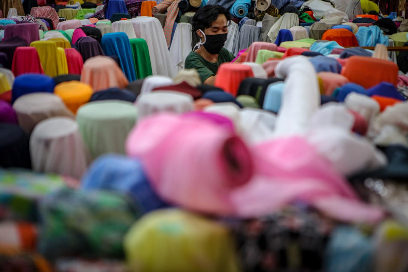 COVID-19 fallout exacerbates noncompetitive, outdated textile industry: Experts