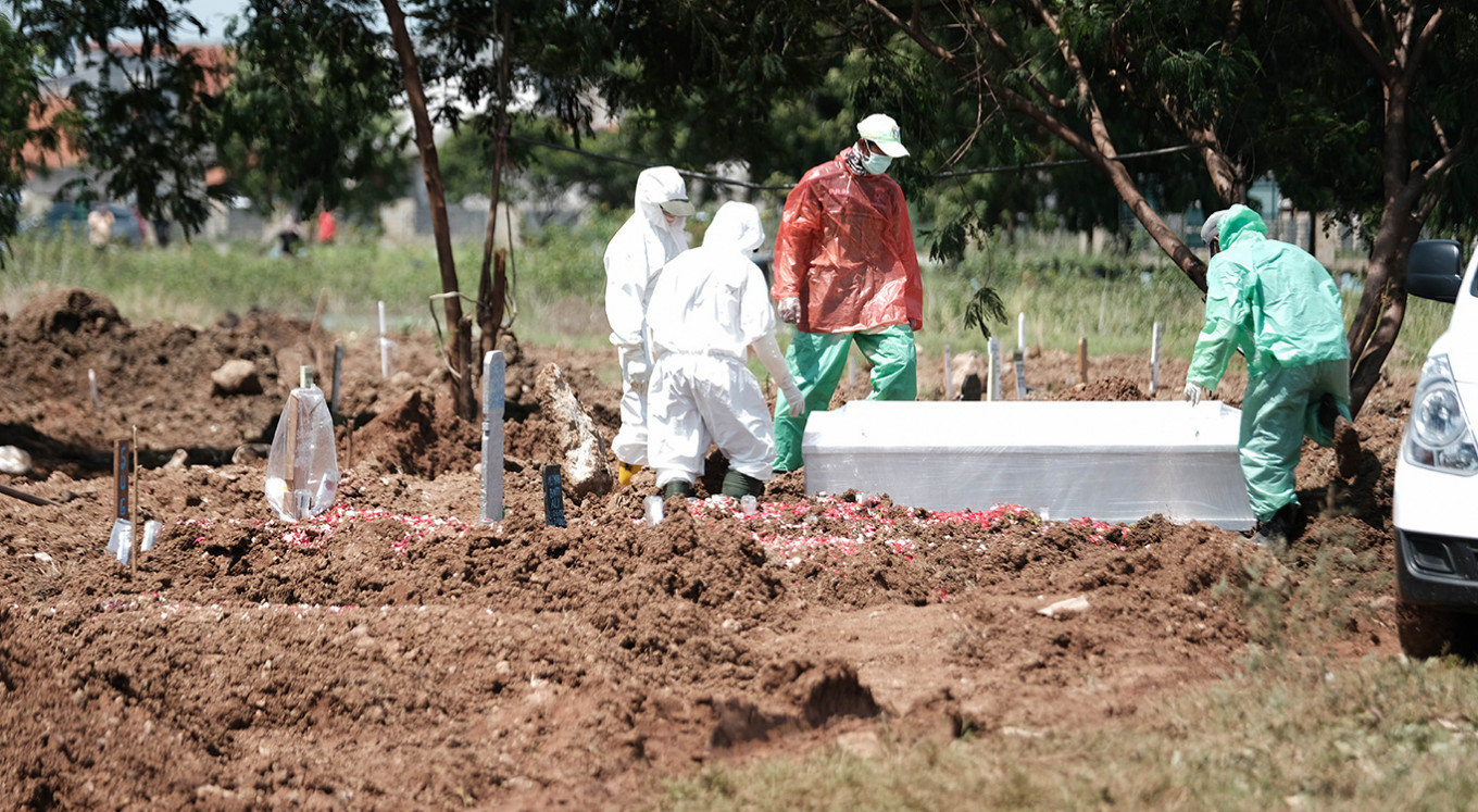 Jakarta buries more than 1,000 bodies according to COVID-19 protocol
