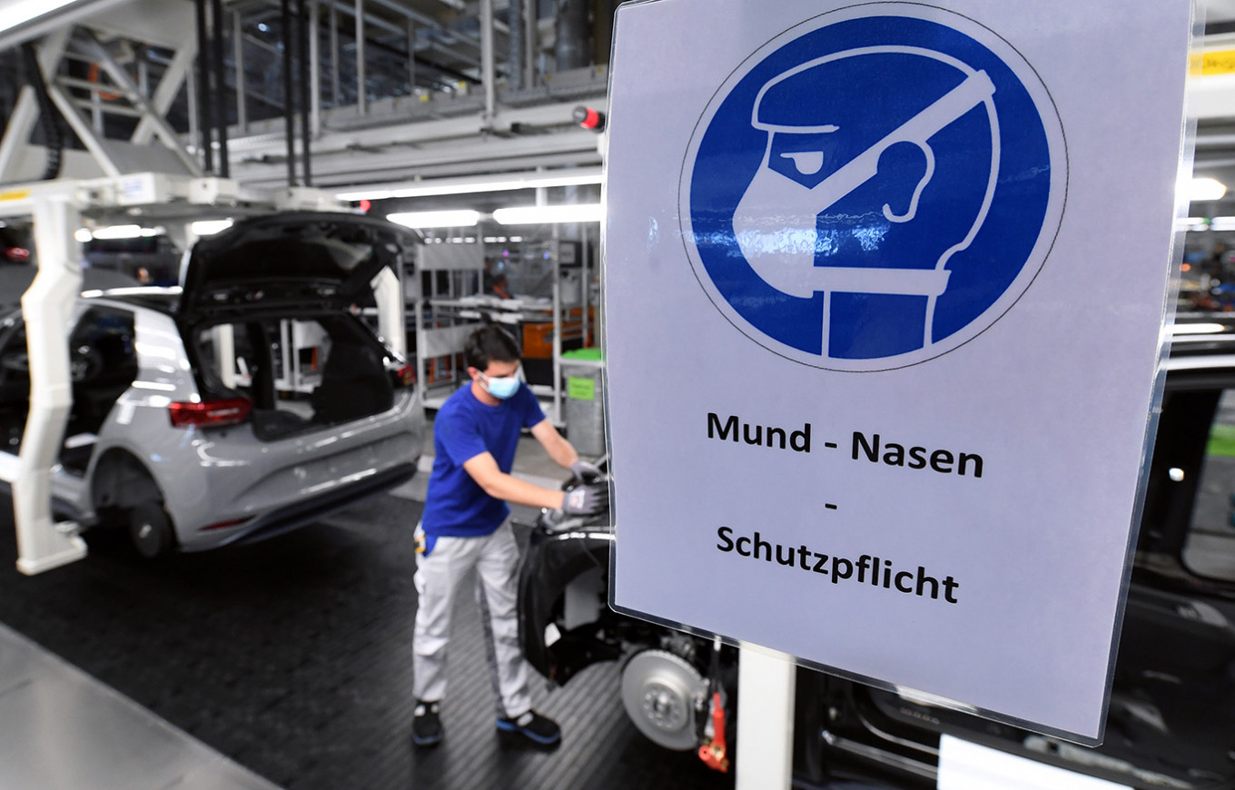 Volkswagen Resumes Production at Europe's Largest Car Factory After COVID-19 Lockdown