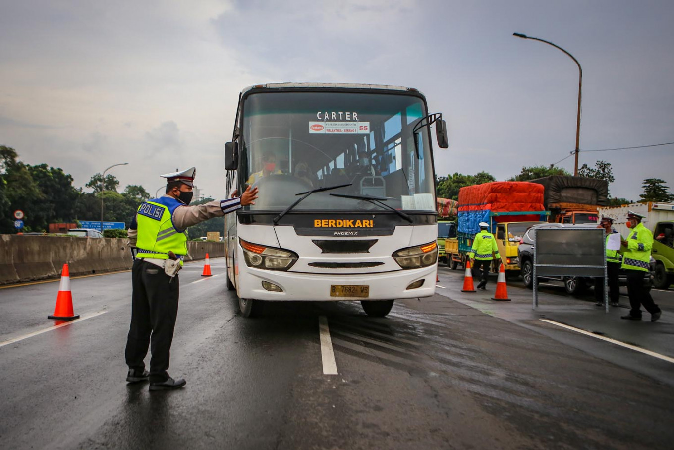 West Java plans to operate 24-hour checkpoints to enforce 'mudik' ban