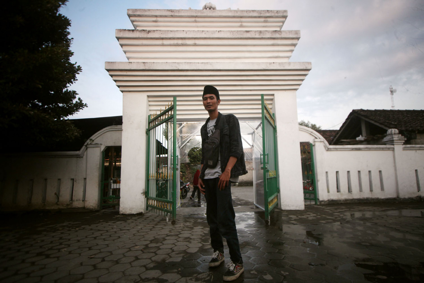 A worshipper stands in front of Pathok Negoro Mosque. JP/Boy T Harjanto