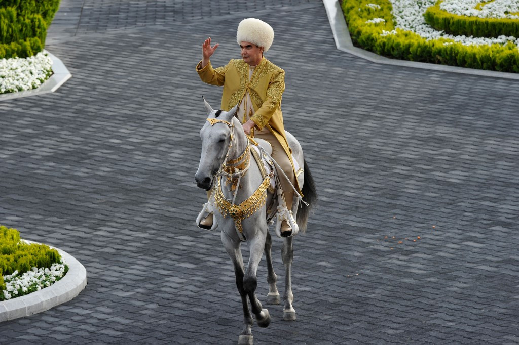 Turkmenistan defies pandemic to celebrate national horse day
