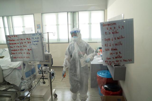 Thailand's coronavirus medics feel strain even as cases decline