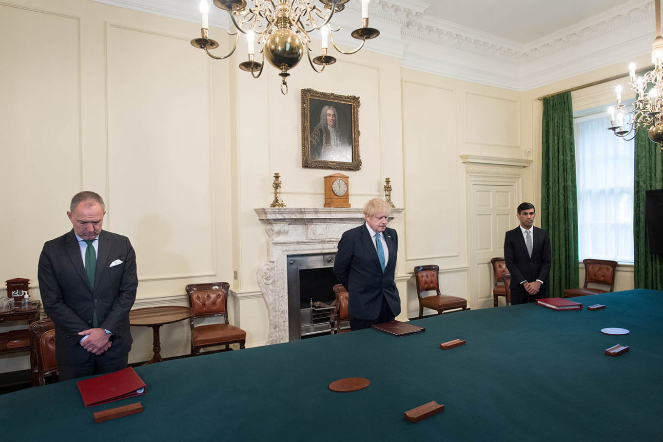 New father Johnson holds cabinet meeting amid questions over UK's coronavirus response