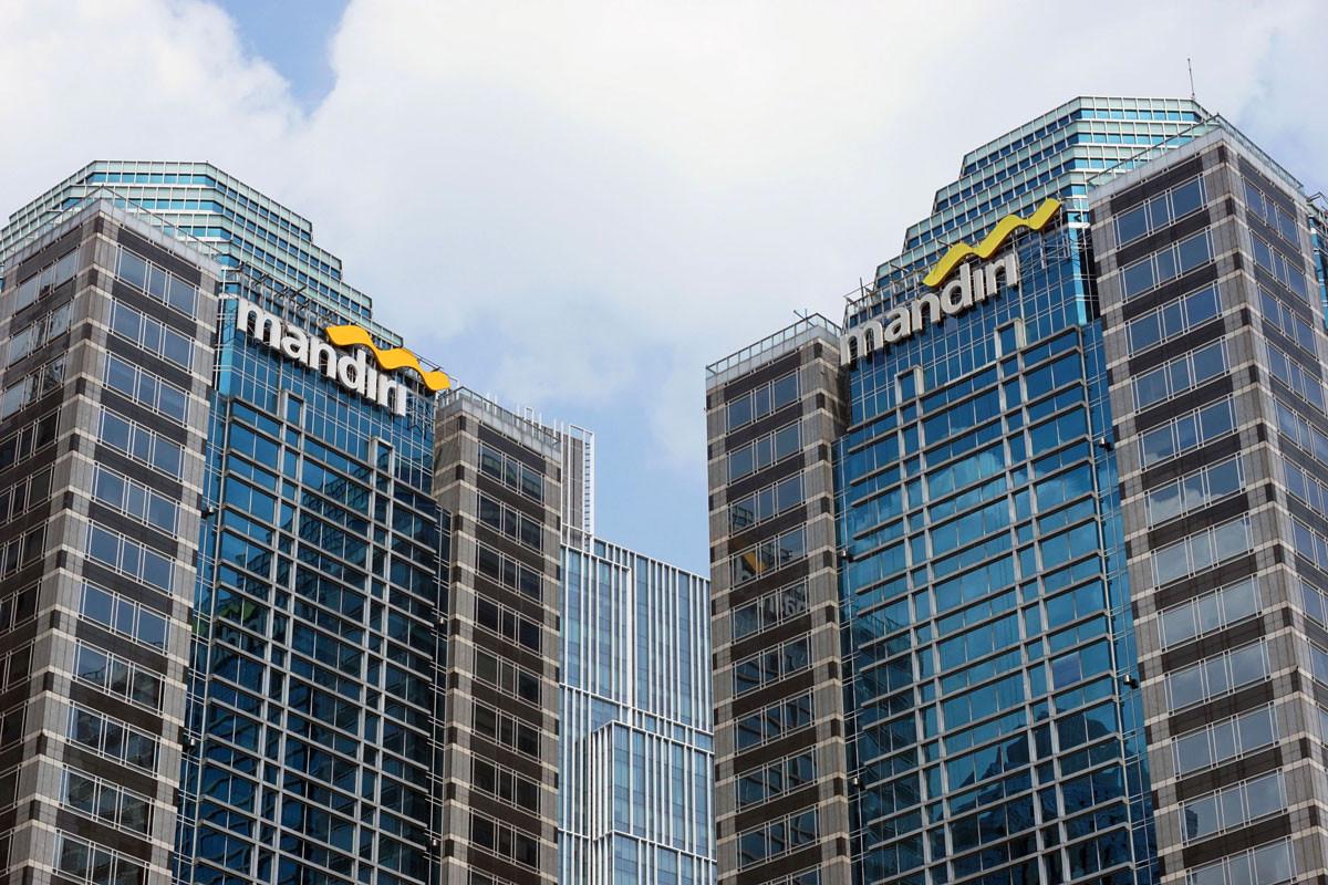Make Your Transaction From Home In Comfort Bank Mandiri Raises Online Transaction Limit Inforial The Jakarta Post
