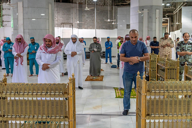 Saudi to enforce round-the-clock virus curfew at Eid