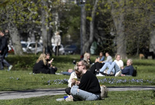 Swedish city to use chicken manure to deter crowds