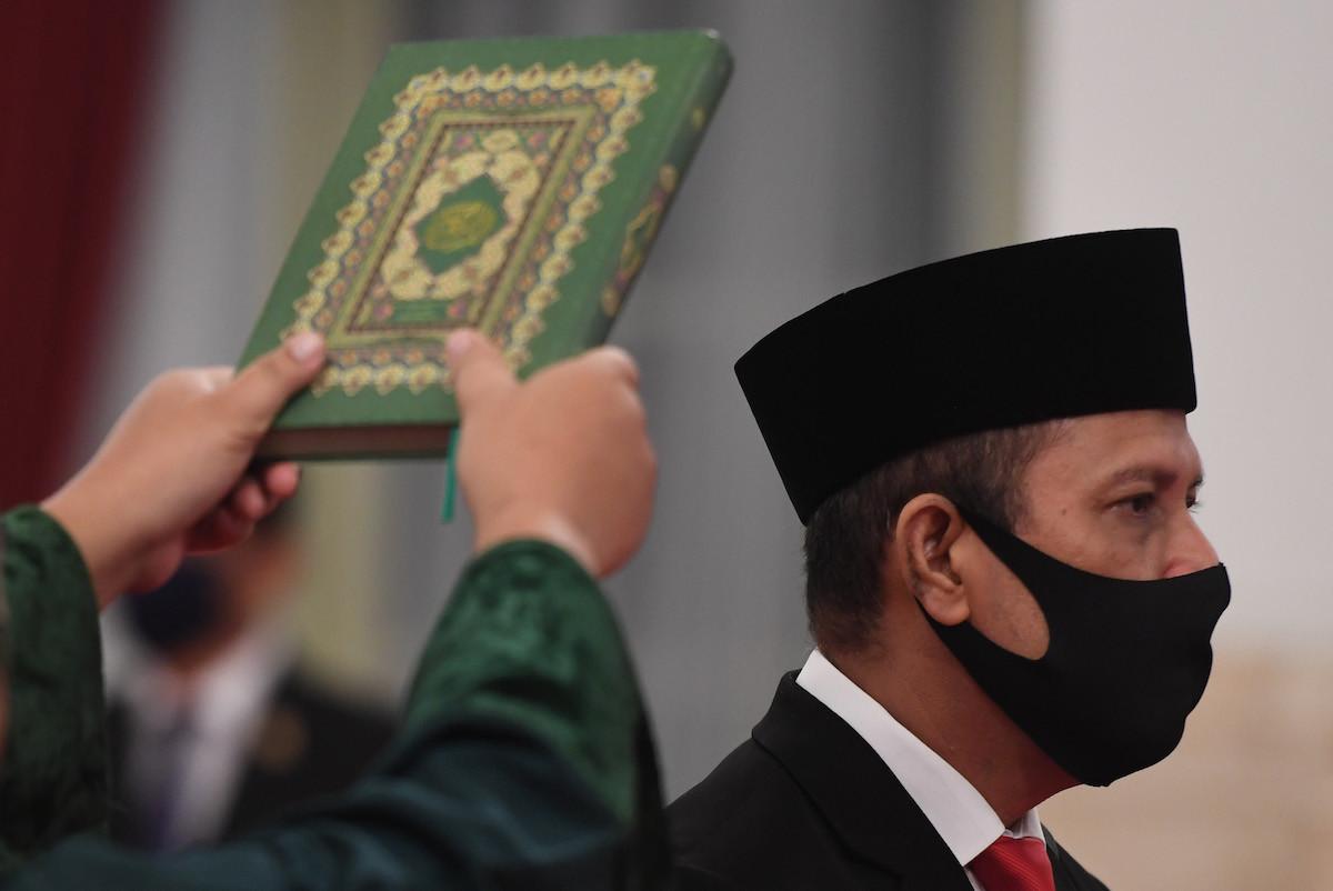 Jokowi inaugurates new antiterror agency chief despite criticism