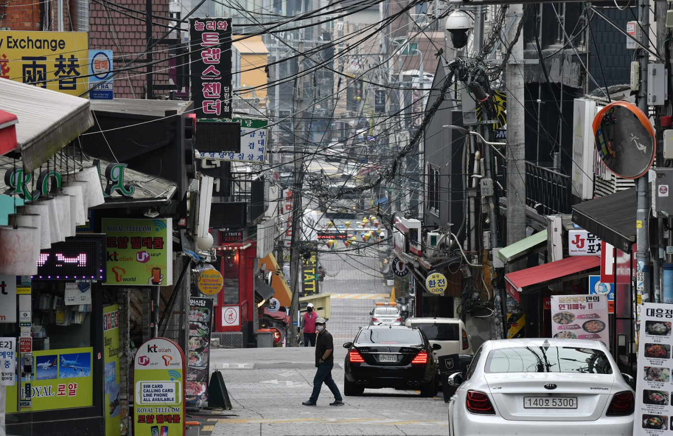 South Korea deploys mobile data, police to tackle nightlife cluster