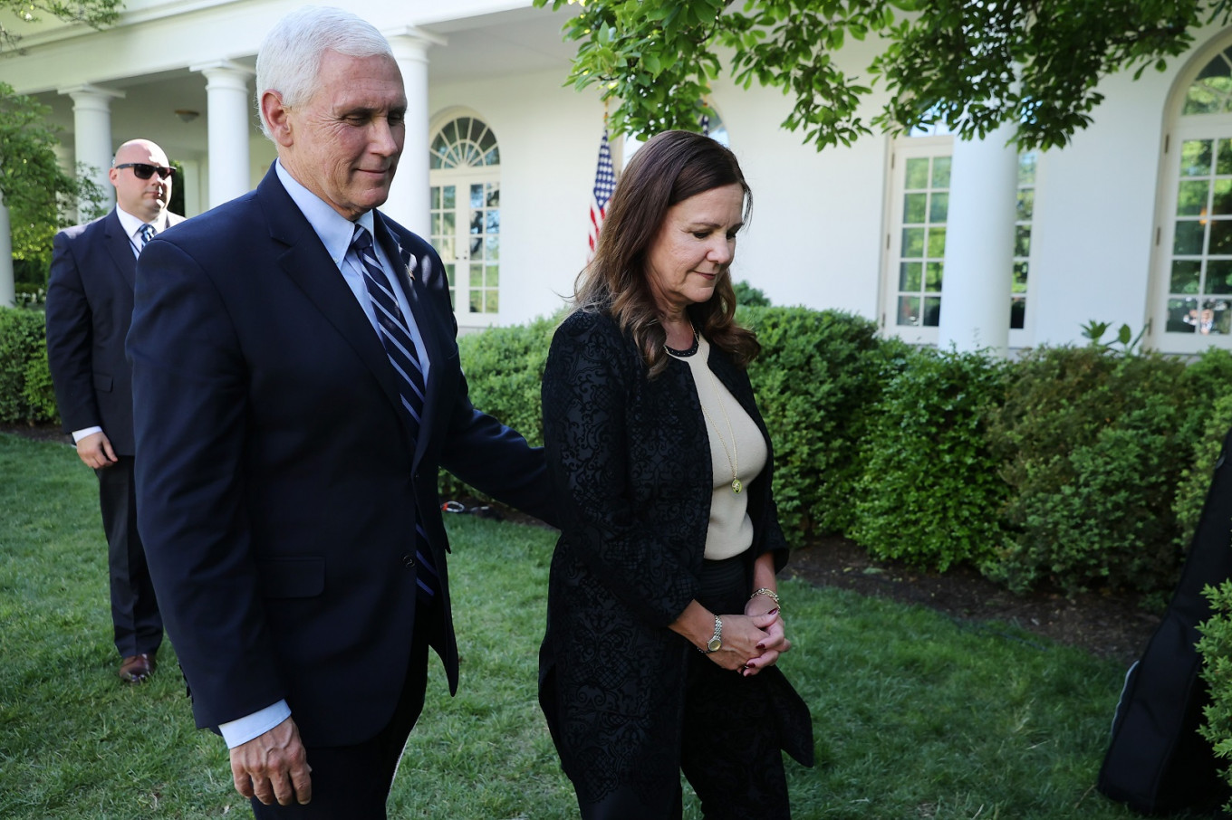 VP Pence keeping distance from White House staff
